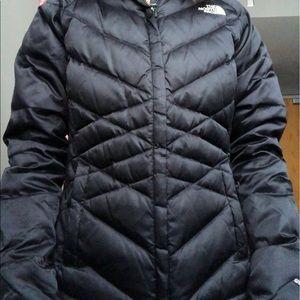 Black north face puffer winter coat